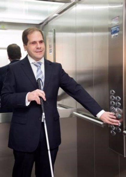 La voz de 'Alexa' llegará a los ascensores para minimizar el riesgo de contagio del coronavirus