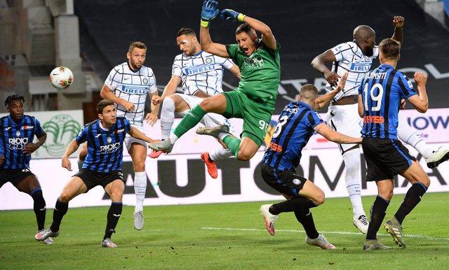 Fútbol/Calcio.- (Crónica) El Inter termina segundo a un punto de la Juve campeon