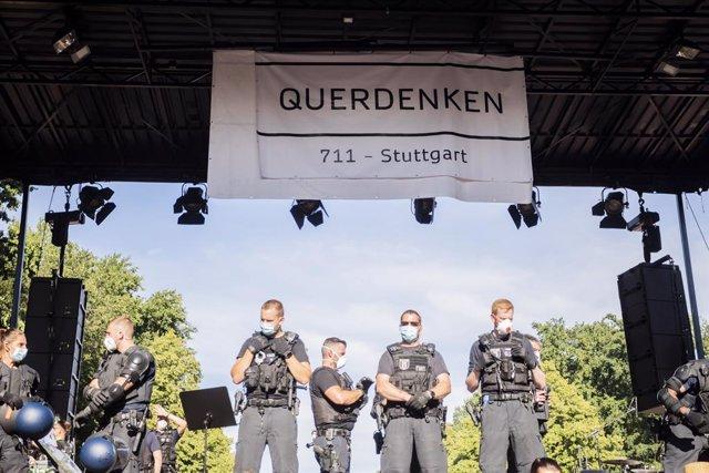 Coronavirus.- Heridos 18 policías en una protesta en Berlín contra las medidas d