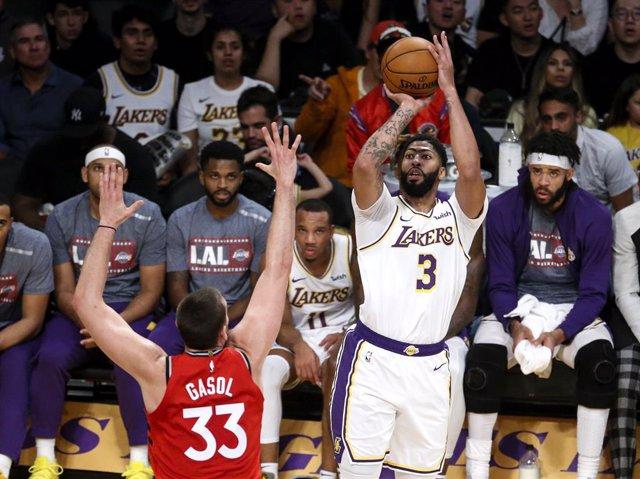 Baloncesto/NBA.- Lowry lidera a los Raptors de Gasol e Ibaka a la victoria ante