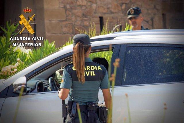 Detenida una persona por un presunto robo con violencia en Roquetas de Mar