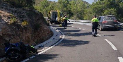 Muere un motorista de 19 años en un accidente en Sant Jaume dels Domenys (Tarragona)