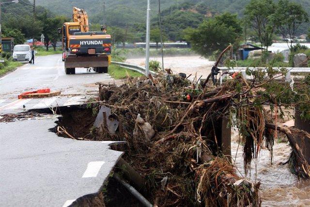 Corea del Sur.- Mueren cinco personas a causa de varios deslizamientos de tierra