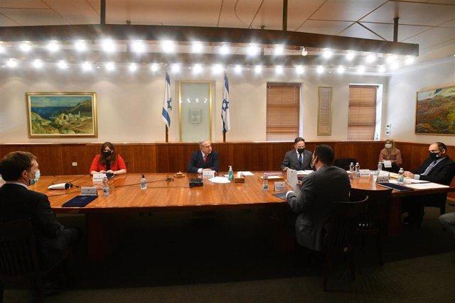 Benjamin Netanhayu en el Consejo de Ministros