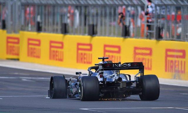 Fórmula 1/GP Gran Bretaña.- Pirelli investiga los pinchazos de Hamilton y Carlos