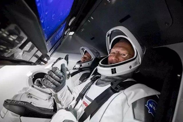 Tripulantes de la Dragon Endeavour - Space X