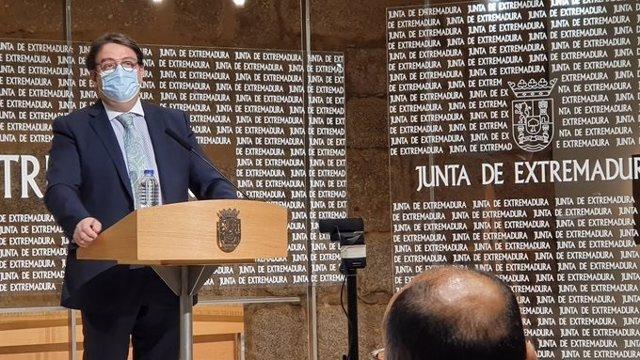 El consejero de Sanidad José María Vergeles, en rueda de prensa