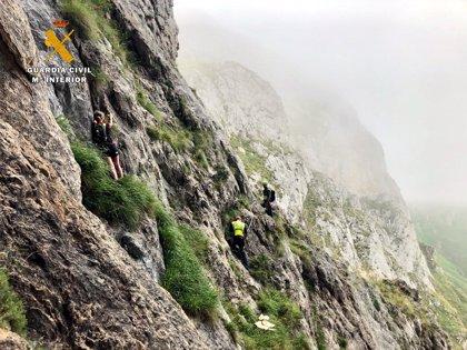 Rescatados dos senderistas enriscados en una ruta hacia el teleférico de Fuente Dé