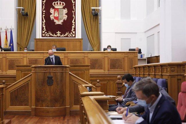 Las Cortes debaten sobre la Ley de Bienestar Animal