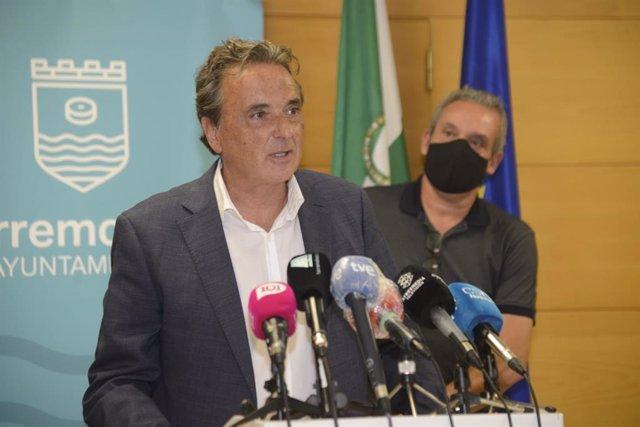 Alcalde de Torremolinos en rueda de prensa