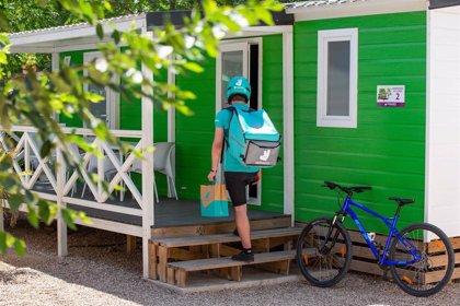 Deliveroo llevará comida a domicilio a los campings urbanos españoles