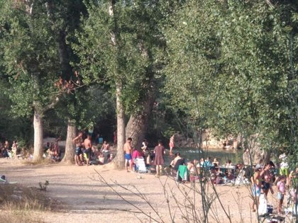 Vilamarxant prohíbe el baño en el río Túria ante la desobediencia