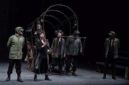 La alta afluencia de público y el cumplimiento de las medidas de seguridad protagonizan el Festival de Teatro de Olite