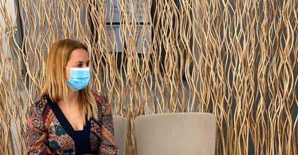 Especialistas de Vithas Xanit de Benalmádena (Málaga) recomiendan hacer descansos en el uso de la mascarilla cada hora