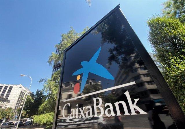 Logo de Caixabank, a Madrid (Espanya), a 31 de juliol de 2020.