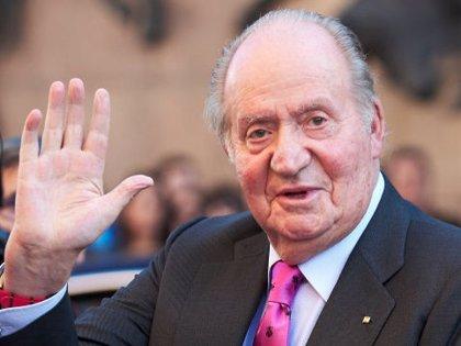 El rey don Juan Carlos abandona España