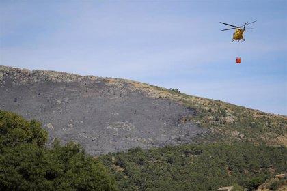 La extinción del incendio forestal de Robledo continúa favorable y ya no hay zonas de riesgo