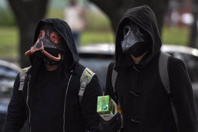 Coronavirus.- Argentina confirma otro récord de muertes por coronavirus y casi 5
