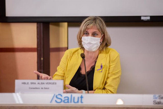 La consellera de Salud de la Generalitat, Alba Vergés, durante la presentación de un proyecto promovido por la Generalitat y la Creu Roja sobre el impacto en la salud que supone la transmisión del Covid-19, en la Conselleria de Salud, Barcelona, Catalunya