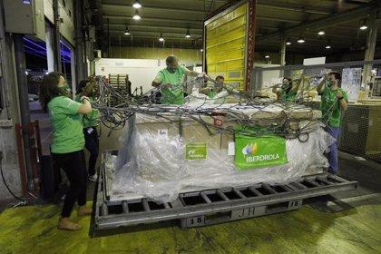 Llegan a España 300 respiradores donados por Iberdrola para reforzar la capacidad de respuesta ante el Covid