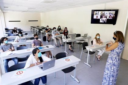 El CEU plantea este curso con un sistema que alternará presencialidad y conexiones en directo con el aula