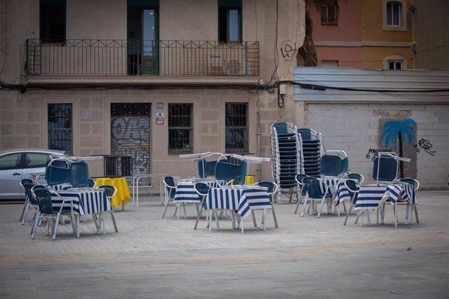 Terraza de un bar vacía, en Barcelona, Catalunya (España) a 26 de mayo de 2020.