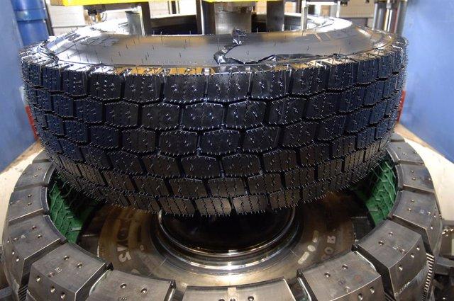 Imagen del renovado de neumáticos.