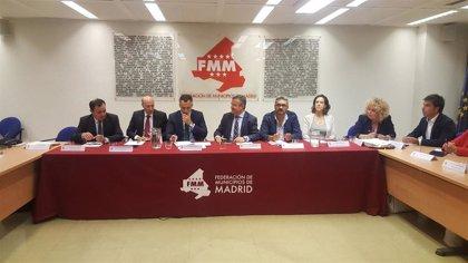 """Alcaldes del PP piden a Hita """"defender a ayuntamientos de la región"""" de la """"traición"""" a la FEMP de Abel Caballero"""