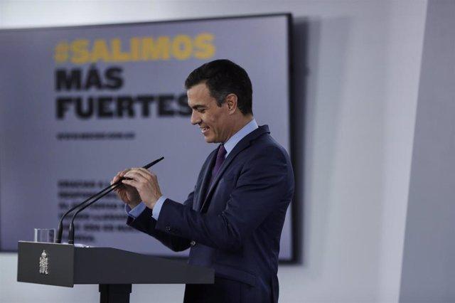 El presidente del Gobierno, Pedro Sánchez, ofrece la última rueda de prensa  posterior a la reunión del Consejo de Ministros y antes de las vacaciones, en Moncloa, en Madrid (España), a 4 de agosto de 2020