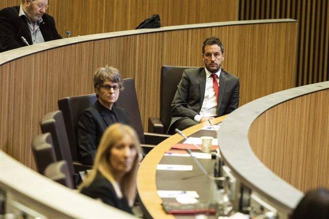 La presidenta del Partit Socialdemòcrata d'Andorra, y consellera general, Susanna Vela, junto al presidente del grupo parlamentario socialdemócrata, Pere López.