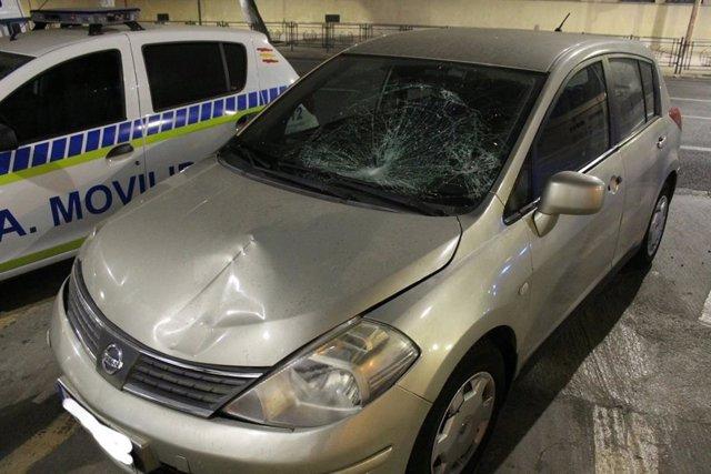 Vehículo con el que una mujer y dos niñas han sido atropelladas en Melilla