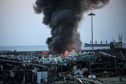 """Trump dice que las explosiones en el puerto de la capital de Líbano """"parecen ser un terrible ataque"""""""