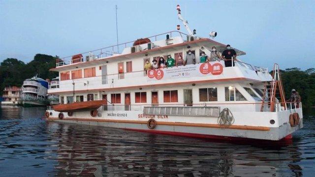 El segundo viaje del barco 'Solidaridad' proporciona servicios de salud a comuni