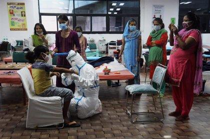 India alcanza los 1,9 millones de casos tras una semana por encima de los 50.000 contagios diarios