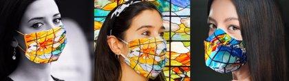 Las mascarillas con la imagen de las vidrieras de la Casa Lis llegan a toda España