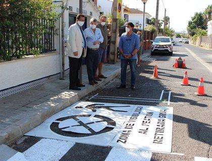 El Ayuntamiento de Sevilla reordena la circulación de Conde de Osborne, en Santa Clara, para mejorar la seguridad vial