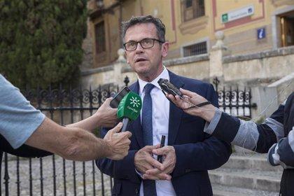 """La Junta confía que la costa de Granada pueda """"salvar los muebles"""" esta temporada gracias al mercado interior"""