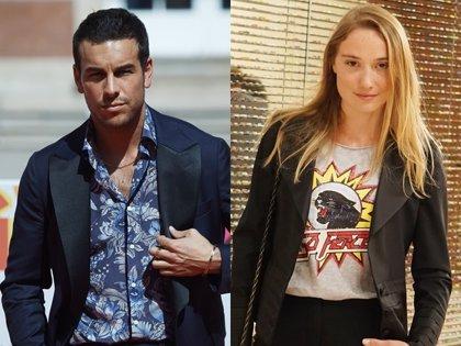 Mario Casas y Déborah François protagonizan el noviazgo del verano