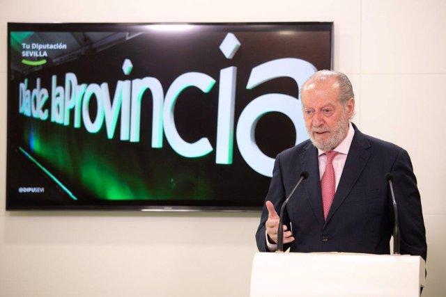 El presidente de la Diputación de Sevilla, Fernando Rodríguez Villalobos, en una imagen de recurso durante una rueda de prensa