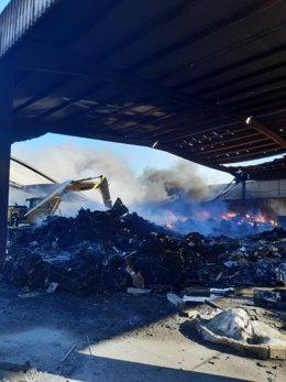 Incendio en el Complejo Ambiental de El Majano