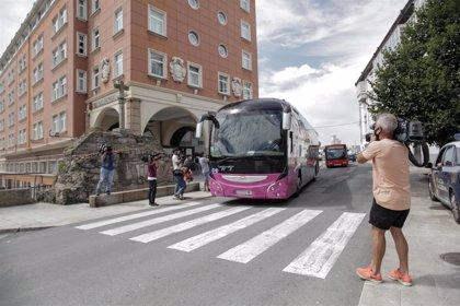 Reciben el alta epidemiológica cinco miembros más de la expedición del Fuenlabrada y queda uno confinado en A Coruña