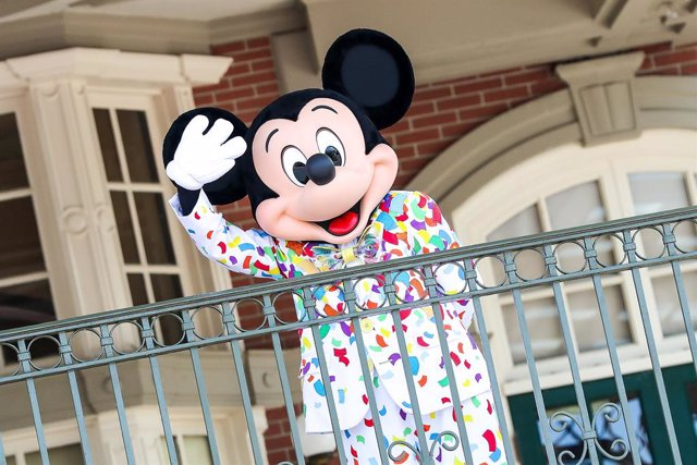 EEUU.- The Walt Disney Company entra en pérdidas en su tercer trimestre tras fac