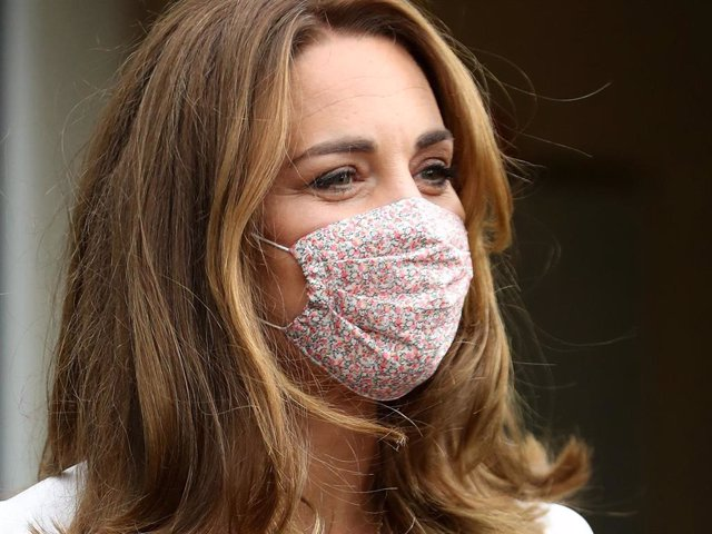 Retransmission with alternate crop.)  Catherine, Duchess of Cambridge, wearing a face mask, leaves after a visit to Baby Basic UK & Baby Basics Sheffield on August 04, 2020 in Sheffield, England.