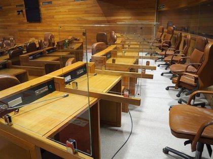 El Parlamento prescinde de invitados en la tribuna para su acto de constitución y separa con mamparas a los 75 diputados