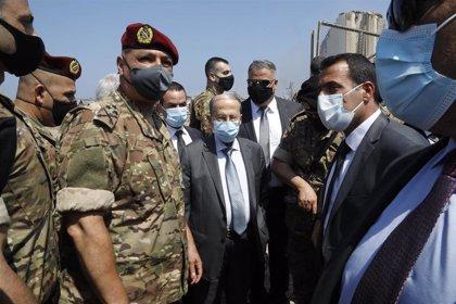 """Aoun atribuye las explosiones de Beirut a una negligencia que promete sancionar con """"el castigo más severo"""""""