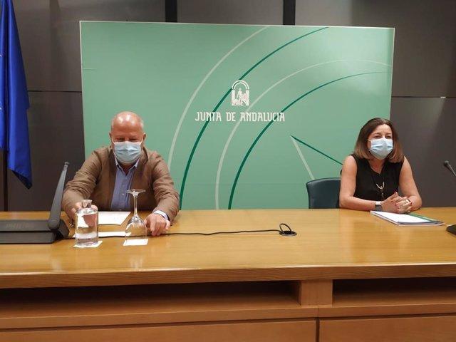 Rueda de prensa del consejero de Educación, Javier Imbroda, y la viceconsejera, María del Carmen Castillo