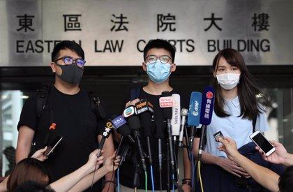 La influyente activista hongkonesa Agnes Chow, condenada por incitar al asedio de una comisaría de Policía