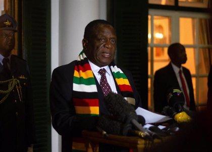 Mnangagwa nombra al vicepresidente y líder del golpe contra Mugabe como ministro de Sanidad de Zimbabue