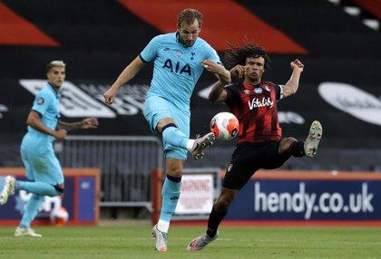 El Manchester City ficha al defensa Nathan Ake
