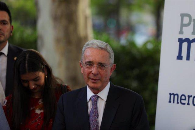 Coronavirus.- El expresidente de Colombia Álvaro Uribe da positivo por coronavir